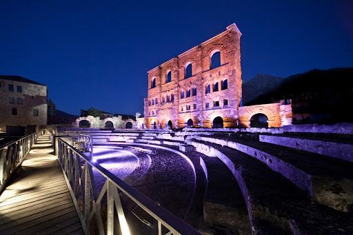 Teatro_Aosta.jpg