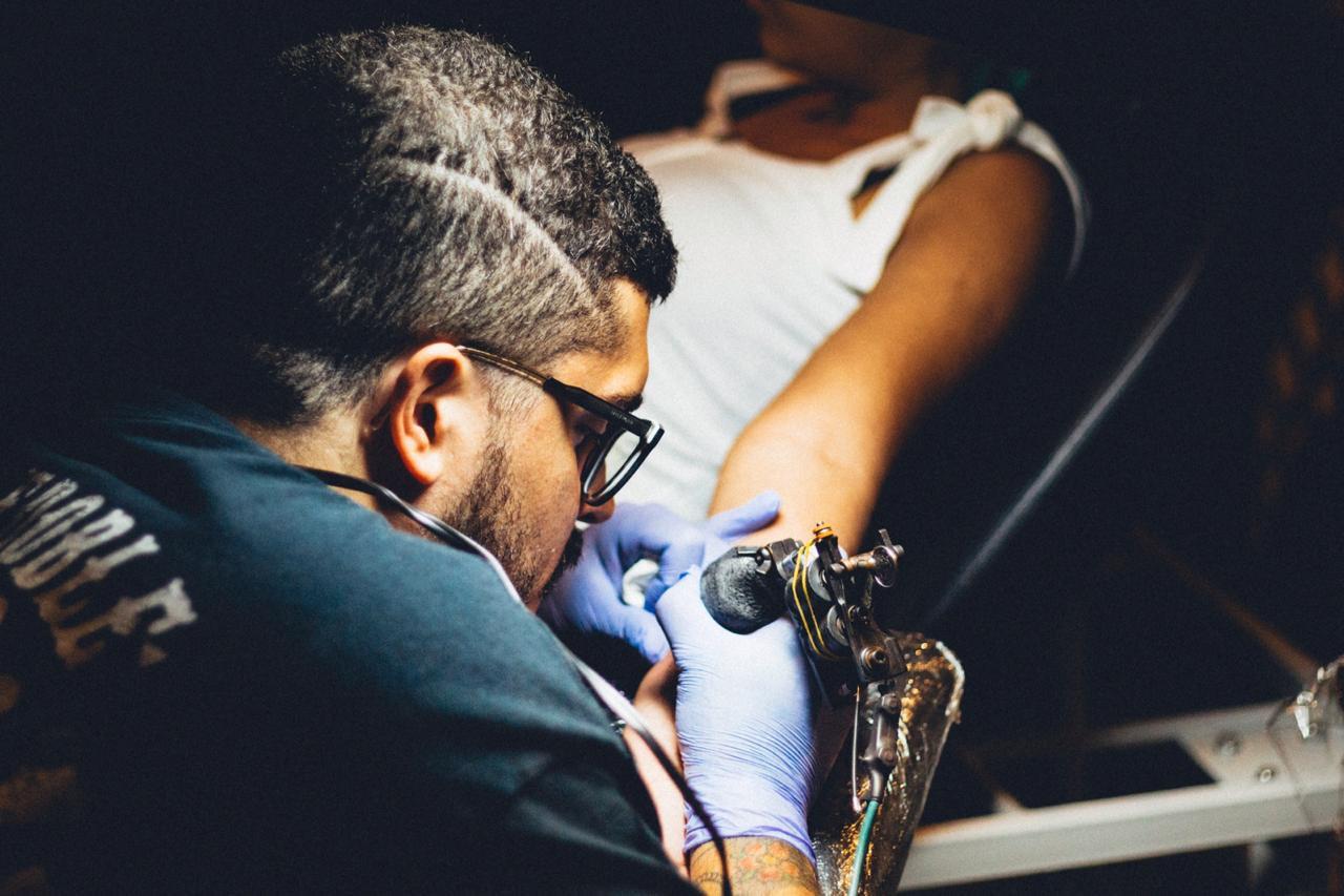 Sesión de tattoo