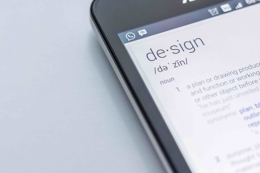sur un smartphone, définition du mot design
