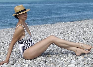 Laura-Lago-comédienne-chanteuse-paris-cinema-modele-senior-mannequin.jpg