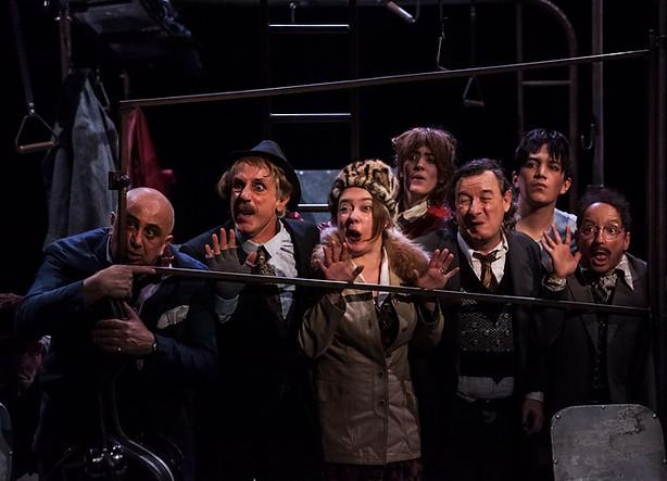 L-autobus-photographies-laura-lago-theatre