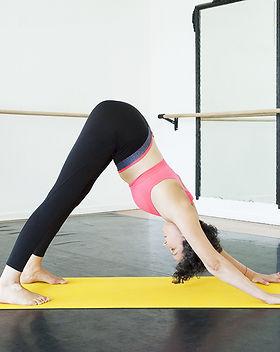 Laura-lago-gym-pilates-paris-france-etir