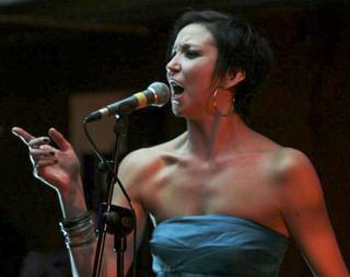 Concert de Laura Lago à L'Etage