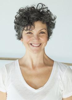 Laura-Lago-comédienne-chanteuse-paris