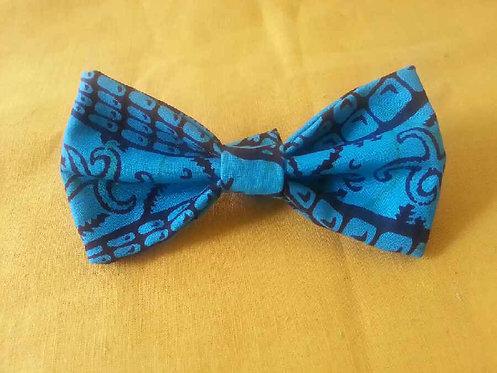 Sea Side Splendor Bow Tie in Ceruleum
