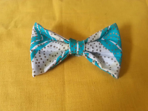 Clouas Overhead Bow Tie in Sy Blue