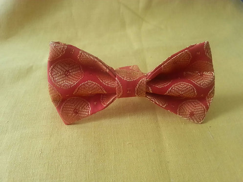 Midas Touch Bow Tie in Crimson