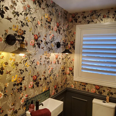 Wallpapering by Andrew Gill washroom.jpg