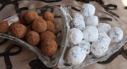 Trufas de Chocolate (Chocolate Truffles) from Cuba: The Cookbook prepared by MaryLou