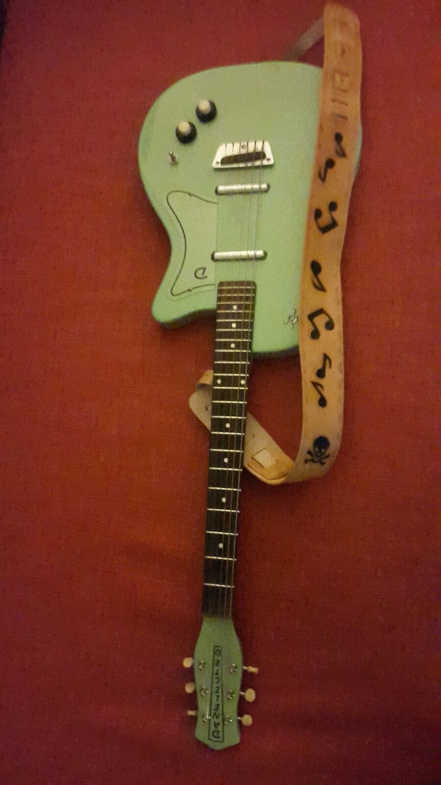 sangle de guitare en cuir