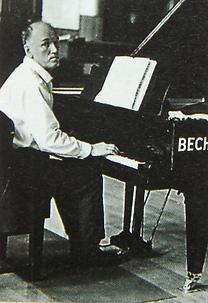 Святослав Рихтер за роялем Бехштейн (фото)