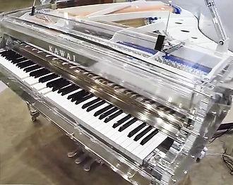 K.Kawai - Прозрачный самоиграющий рояль.jpg