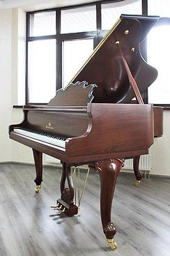 Коричневый рояль дизайна рококо Mendelssohn (фото)