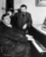 Шаляпин и Куприн у рояля Бехштейн (фото)