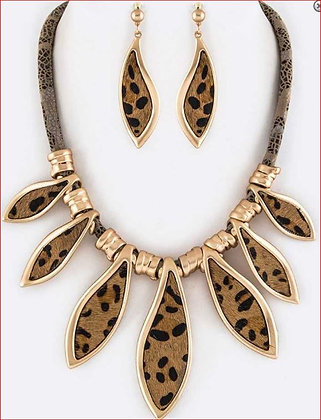 Animal Print Leather Inset Necklace Set