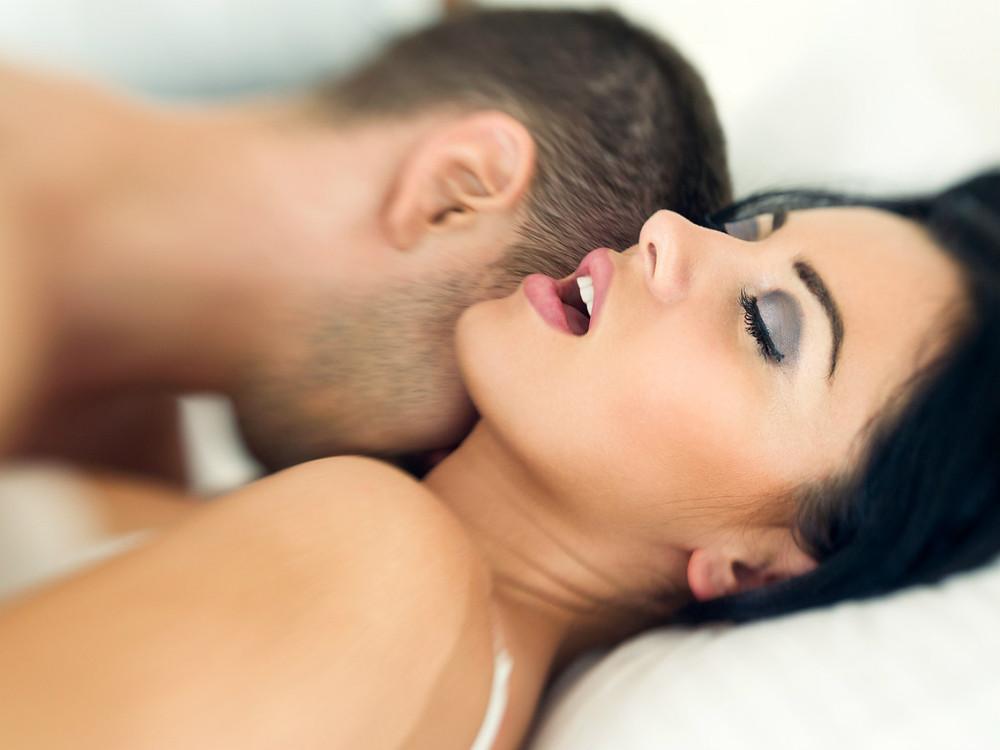 Как довести собственную жену до приятной сырости в трусиках