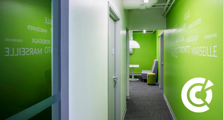 CCI-Française-Corridor-mur-vert-740x400