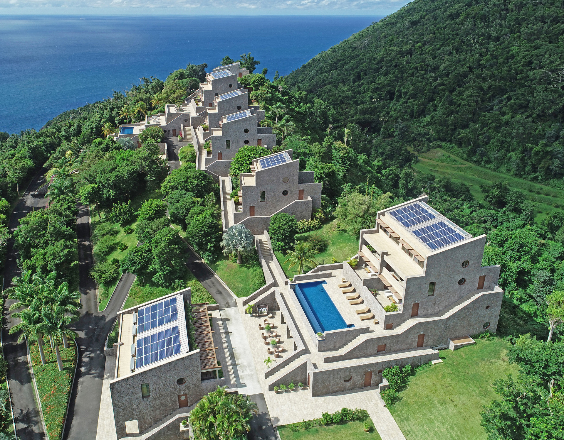 COULIBRI RIDGE INVITES YOU TO COMMUNE WITH THE BREATHTAKING BEAUTY OF DOMINICA FROM A SUSTAINABLE AND EXCEPTIONAL POINT OF VIEW