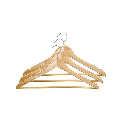 Набор деревянных вешалок