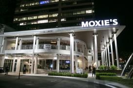 Moxie's001.jpg
