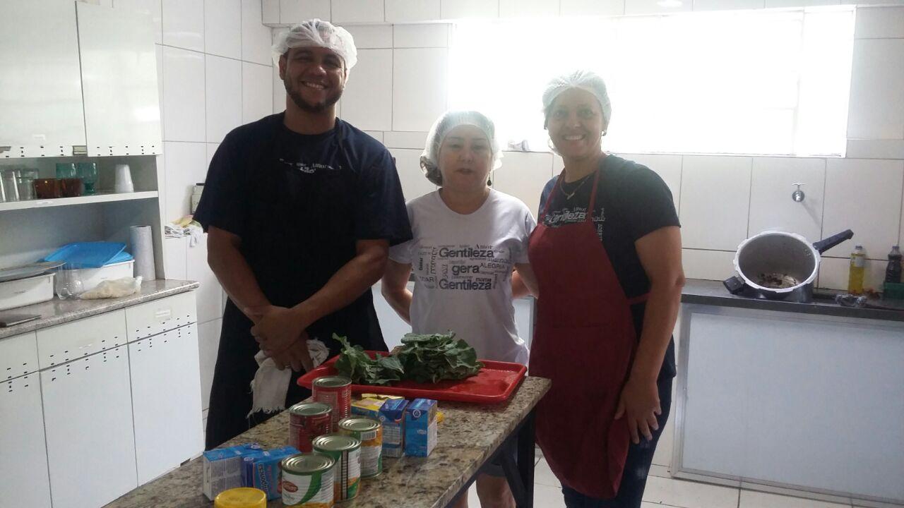 D.Otacília,Edgar, Elena