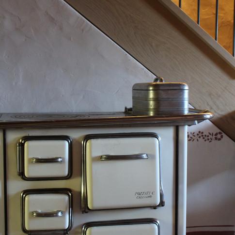 Alter Ofen im Eingangsbereich