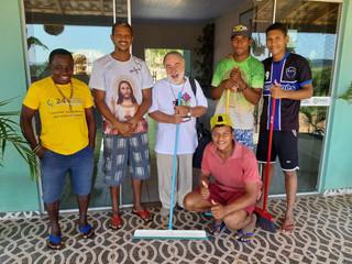 Con gli ultimi per le strade del Brasile