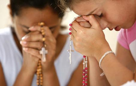 Un rosario meditato da recitare in famiglia