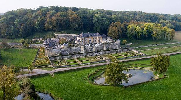 Chateau%20Neercanne1_edited.jpg