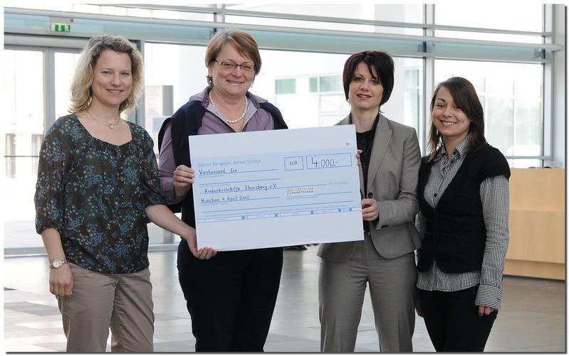 4.000,00 €: Firma Nemetschek spendet Erlös aus Weihnachtstombola an die Kinderkrebshilfe Ebersberg