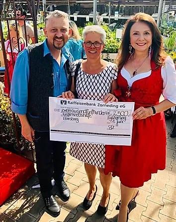 Charity Veranstaltung im Gartencenter Urgibl erzielt tolle 2.500 € zugunsten der Kinderkrebshilfe Ebersberg e.V.