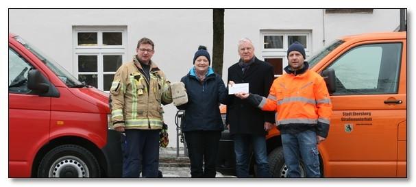 Ebersberger Feuerwehr und städt. Bauhof im Einsatz für die Kinderkrebshilfe Ebersberg e.V.