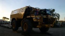 773D Service Truck (2)