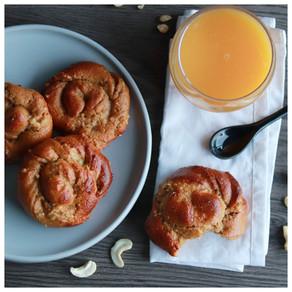 Brioches tressées à la fleur d'oranger et crème de cajou (vegan)