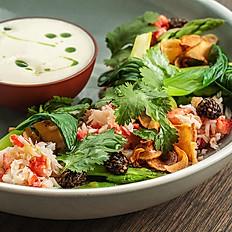 Краб с зелёными овощами и соусом из анчоусов