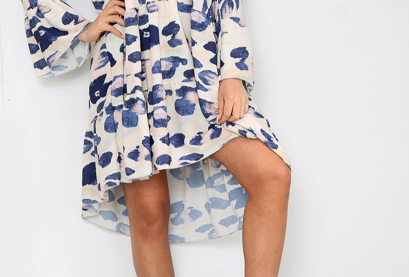 Shelly Multi Coloured Animal Print Loose Fit V Neck Dress In Navy