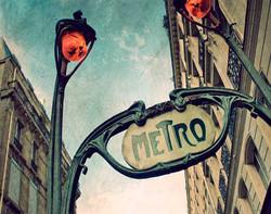 Metro Paris N° 4