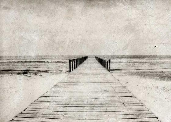 série photographie artistique paysages en noir et blanc, Le ponton mer noir Roumanie