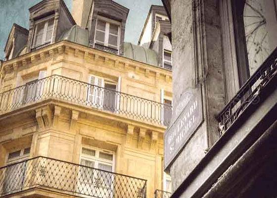 série photographie artistique paysages urbains, St Michel Paris