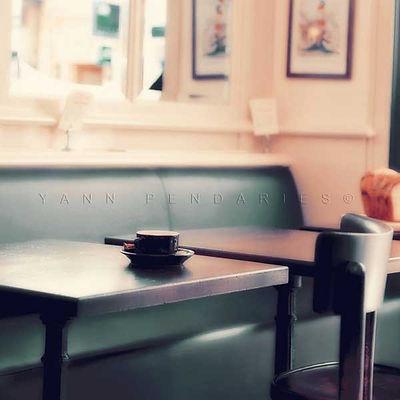 série photographie artistique paysages urbains, La pause café
