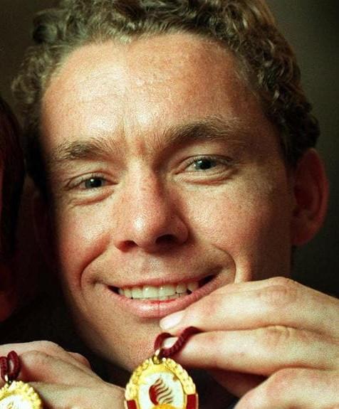 1999 Grogan Medallist; Brad Jones
