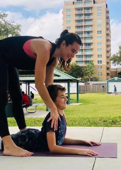 Yoga pour enfants : apprendre a se recentrer et gerer ses emotions.