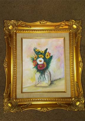 DESCRIPTION: Flowers in Glass Vase Small