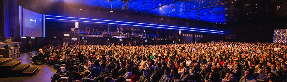 speech-crowd-4.jpg