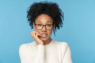 shy-awkward-afro-woman-wear-glasses-biti