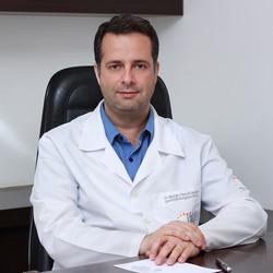 Dr Rodrigo César