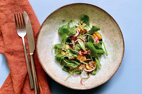 Süßkartoffelsalat mit Baby-Spinat