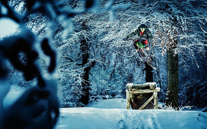 Mountainbike_Snow_01_edited.jpg