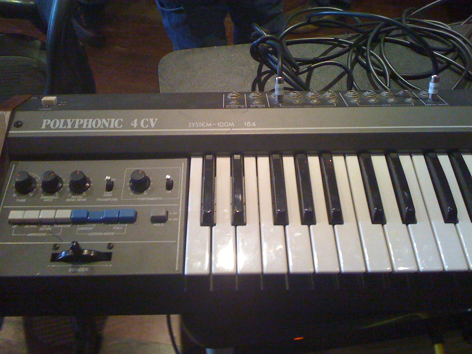 Polyphonic synth!