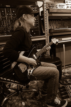 Recording guitars with John Andrews